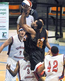 ABA Tournament action courtesy El Diario